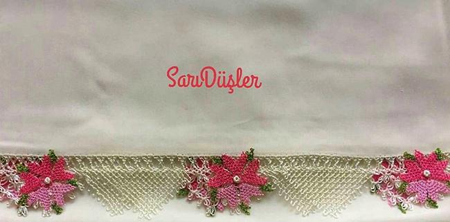 Çiçekli iğne oyası havlu kenarı