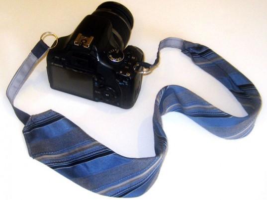 Eski Kravatı Askı Olarak Kullanma