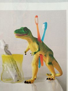 Eski Oyuncaktan Diş Fırçalığı Yapımı