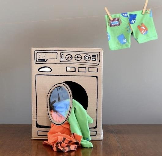 Karton Kutudan Oyuncak Çamaşır Makinesi Yapımı