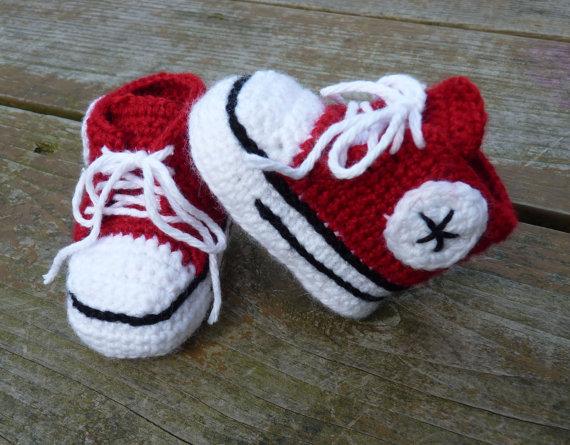 Kırmızı beyaz converse patik