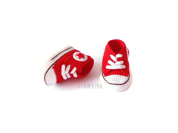 Kırmızı converse patik örneği