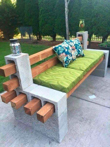 Tuğla ile kanepe süsleme