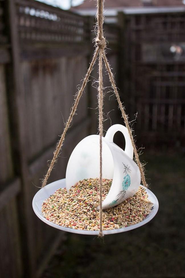 Eski Fincandan Kuş Yemliği Yapımı