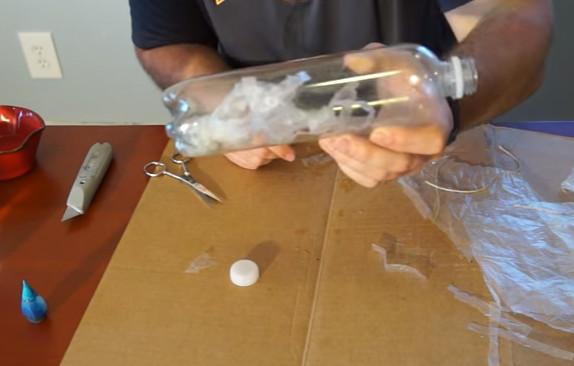 Pet Şişeden Basit Bir Akvaryum Yapımı 9