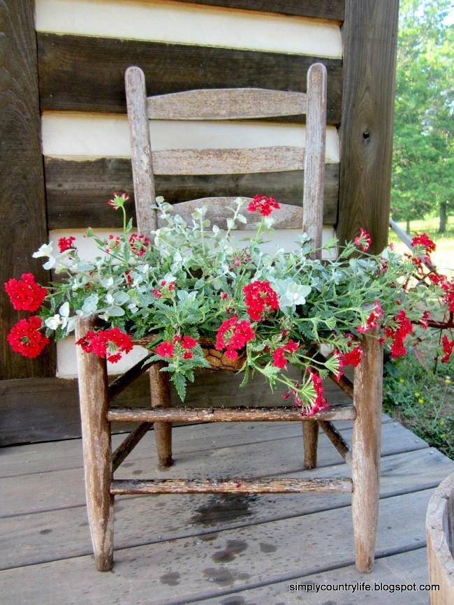 Sandalyeden Çiçek Dekoru Yapımı 5