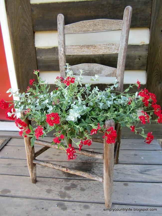 Sandalyeden Çiçek Dekoru Yapımı 6