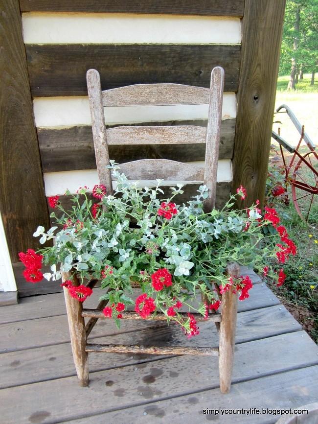 Sandalyeden Çiçek Dekoru Yapımı 7