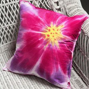 Tie Dye Yöntemi ile Yastık Kılıfı Süsleme