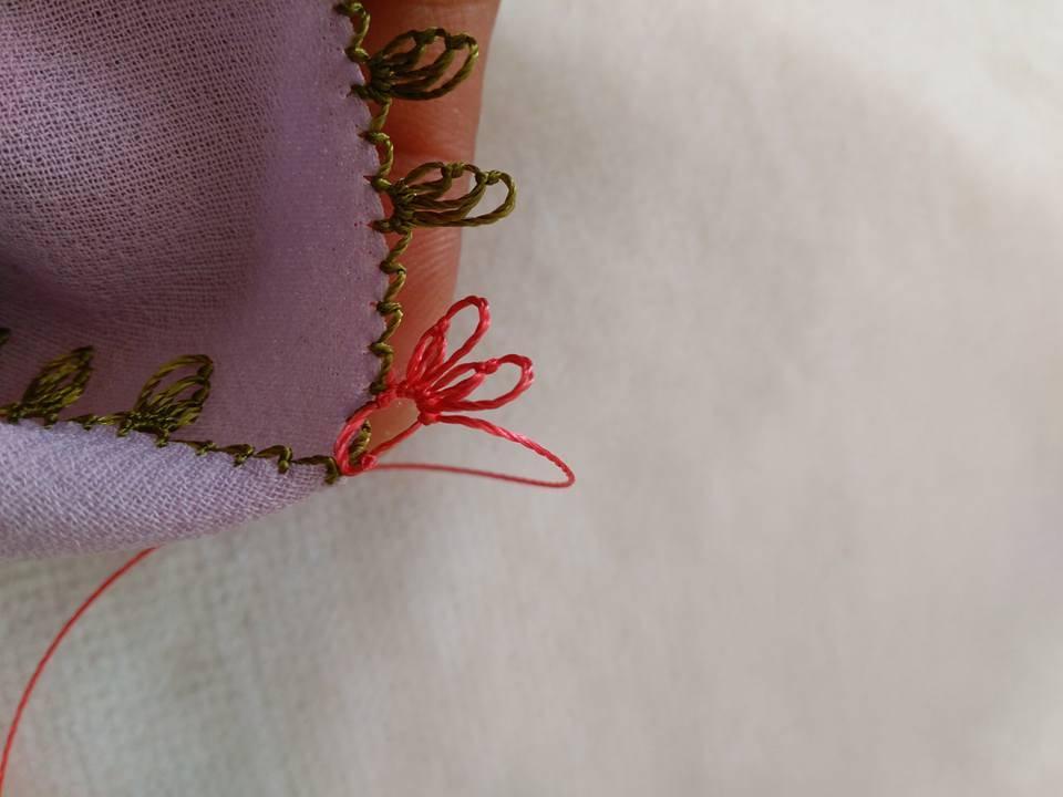 Pembe çiçekli yazma kenarı yapılışı 7