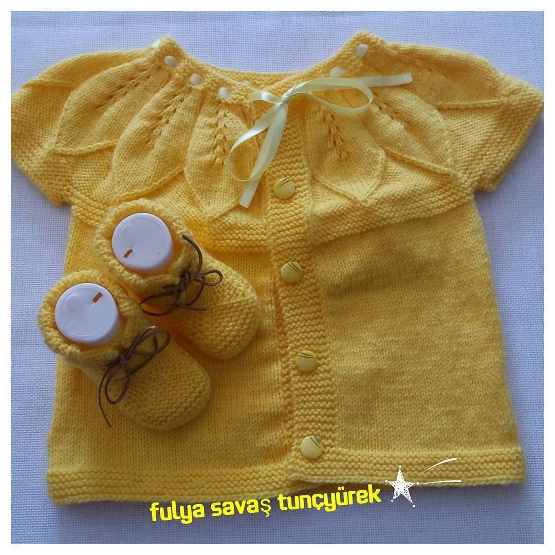 Sarı Renk Bebek Yeleği
