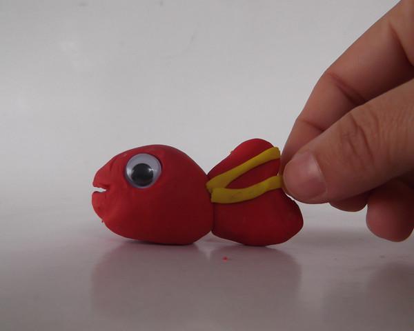 Oyun hamurundan balık yapımı 8
