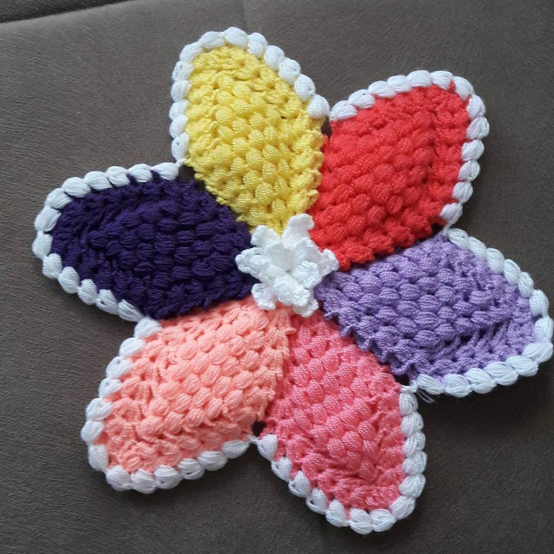 Renkli çiçekli lif modeli