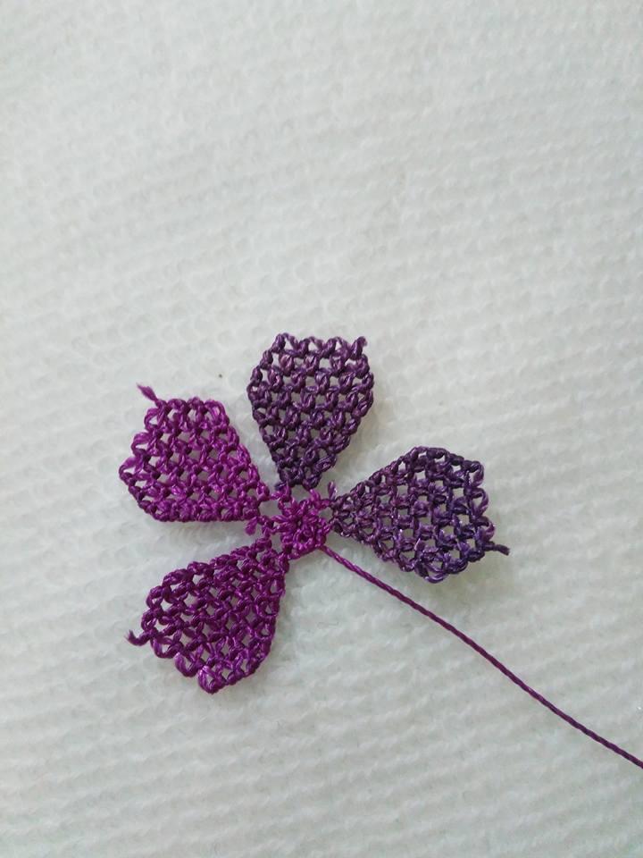 Menekşe çiçeği oyası yapılışı 8