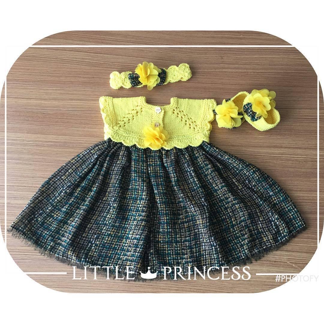 El yapımı örgü bebek elbisesi