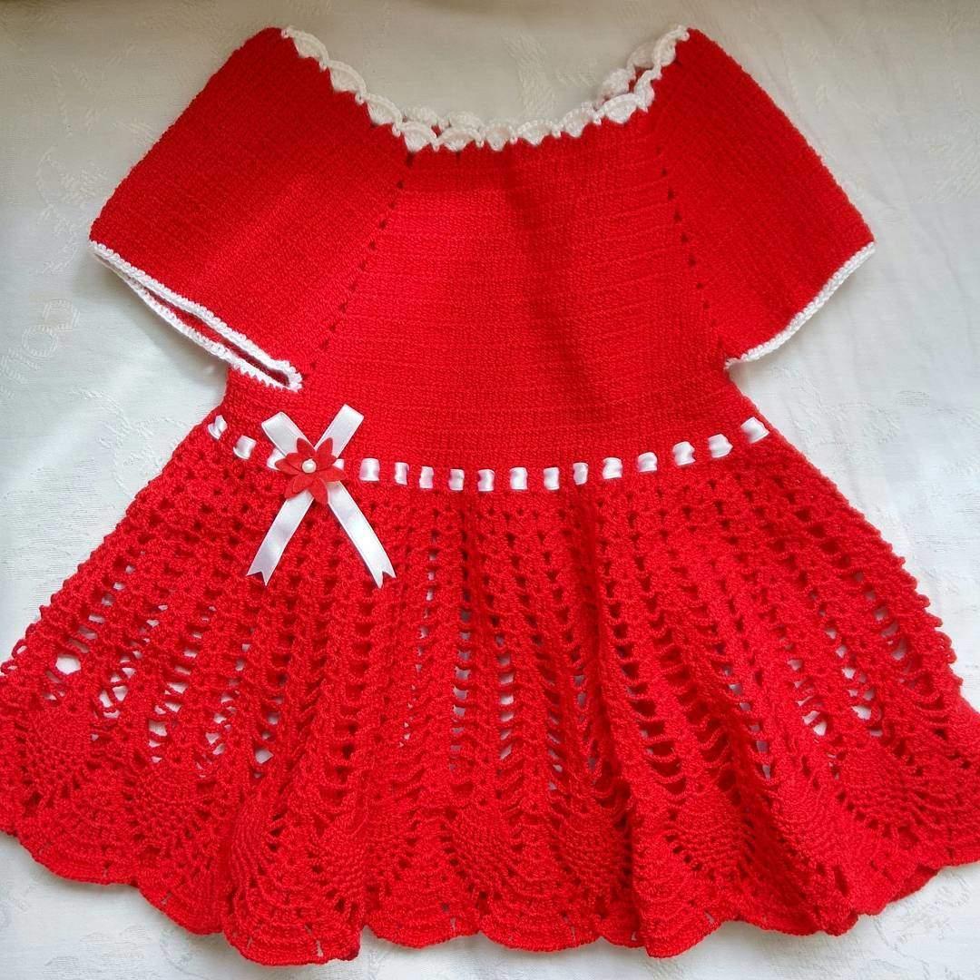 Örgü kırmızı bebek elbisesi