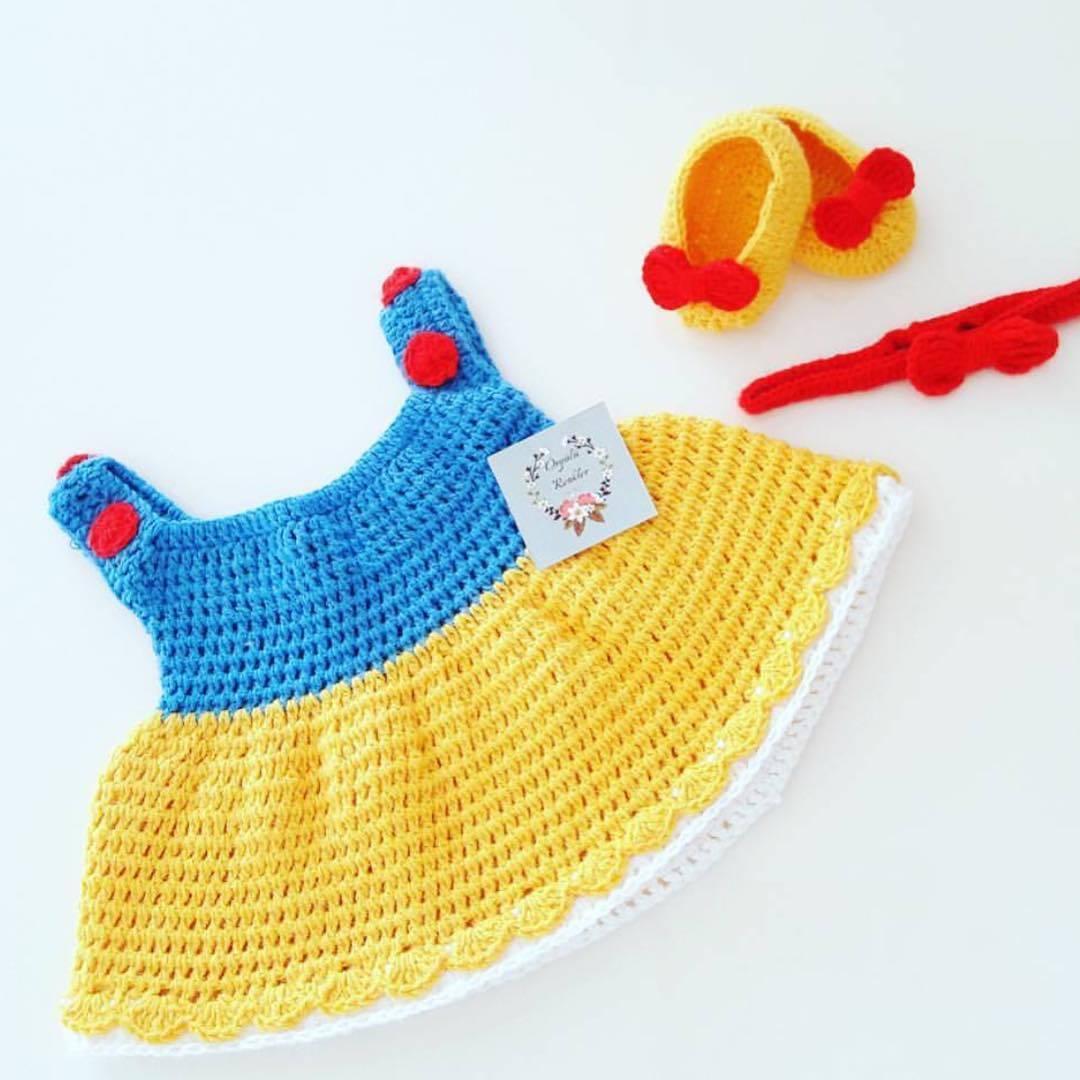 Örgü yenidoğan bebek elbisesi