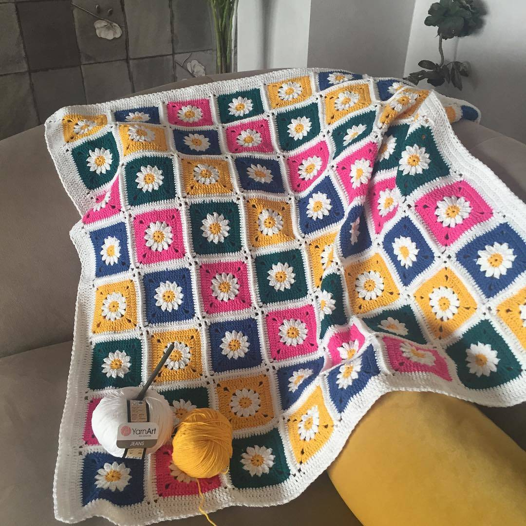 Papatya örgü bebek battaniyesi