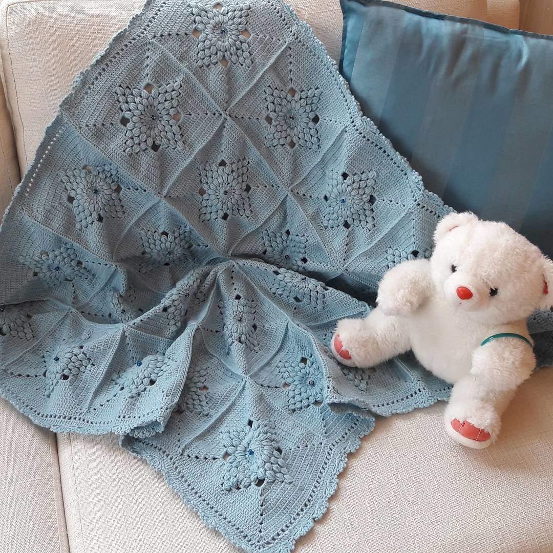 Tek renk örgü bebek battaniyesi