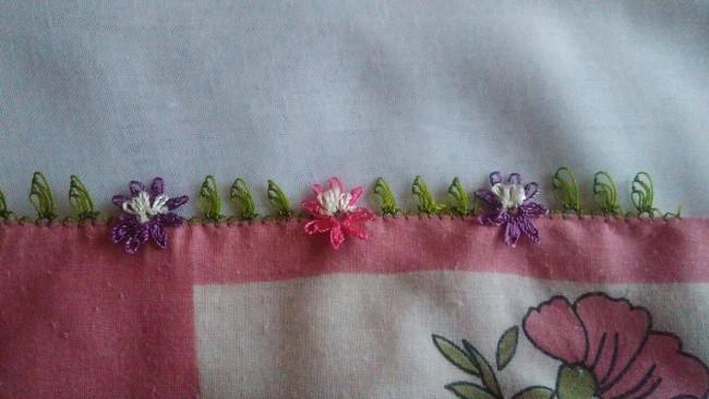 İğne oyası sinek kanadı ve çiçek