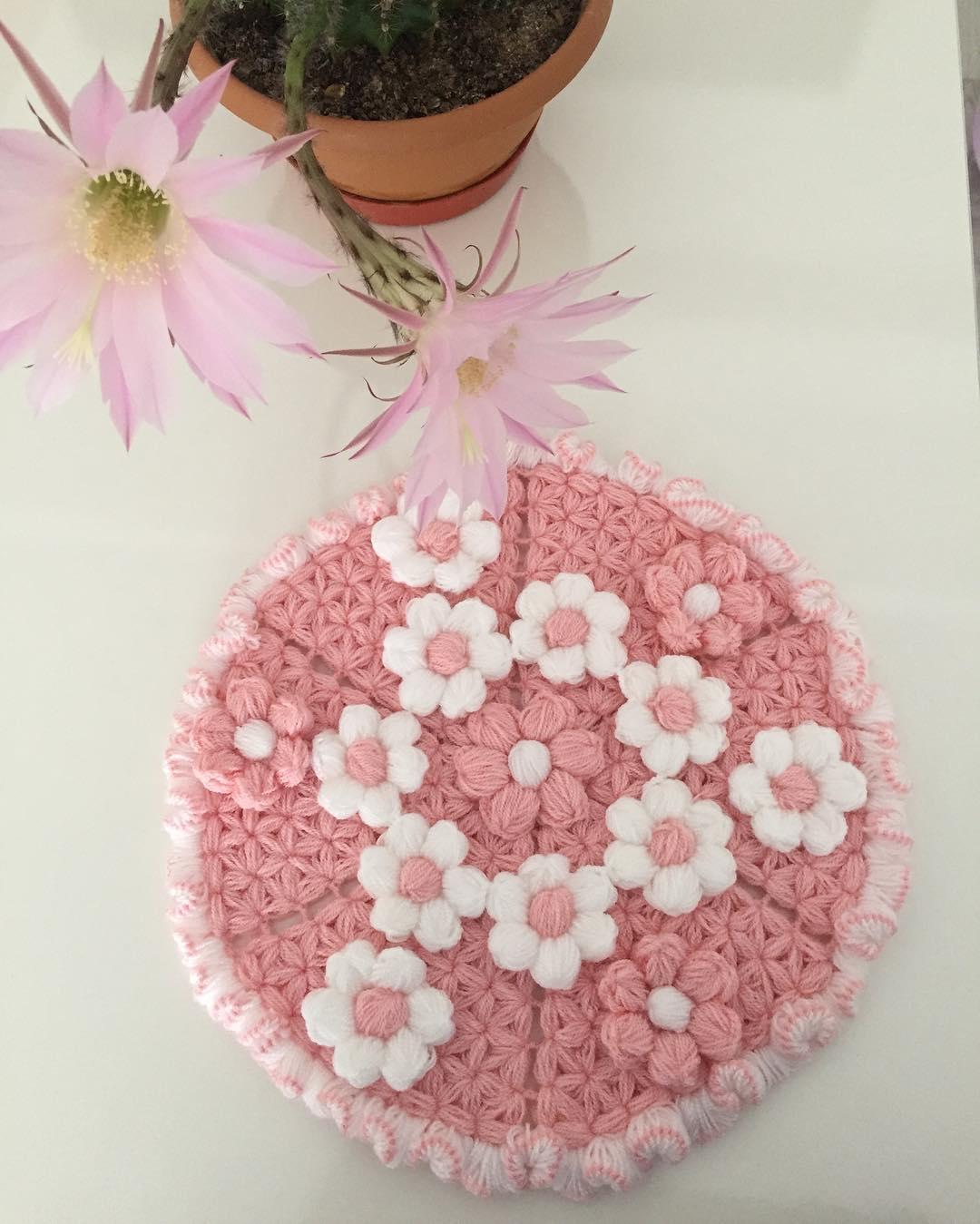 Çiçekli pudra lif