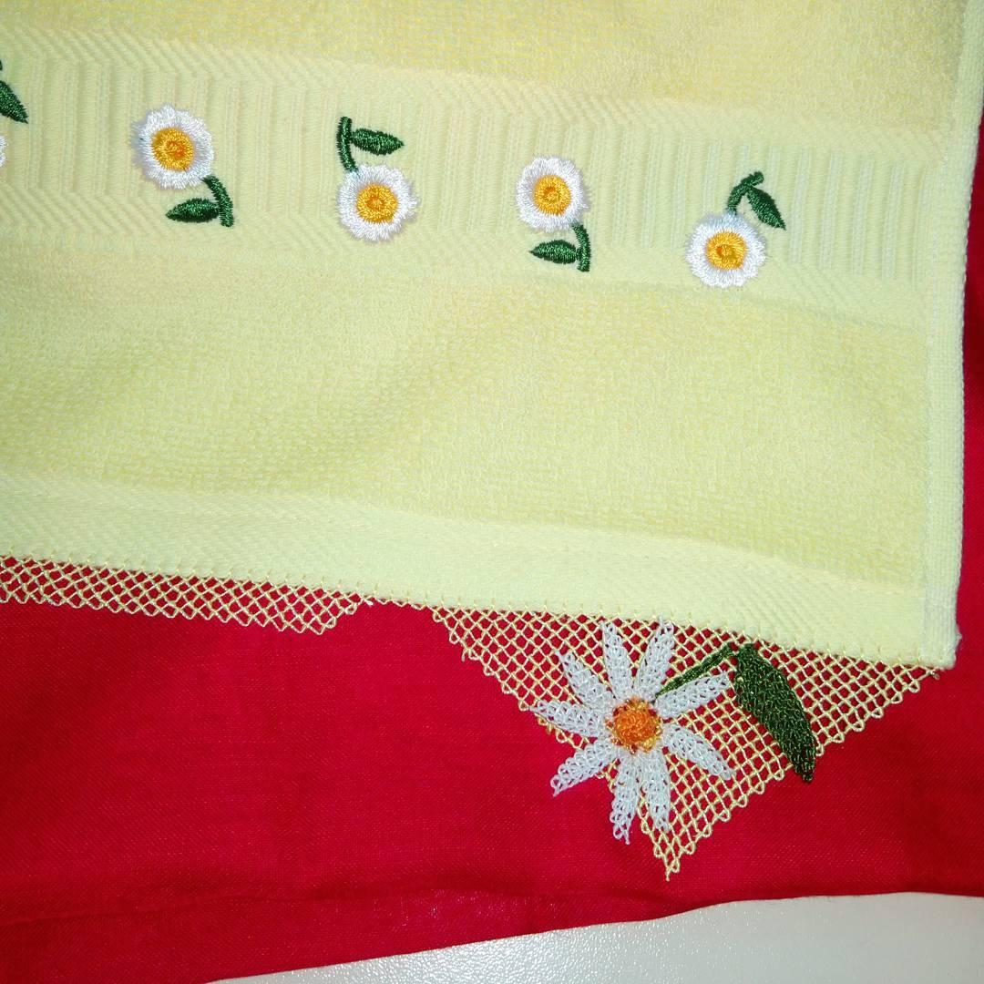 Papatya oyalı havlu kenarı
