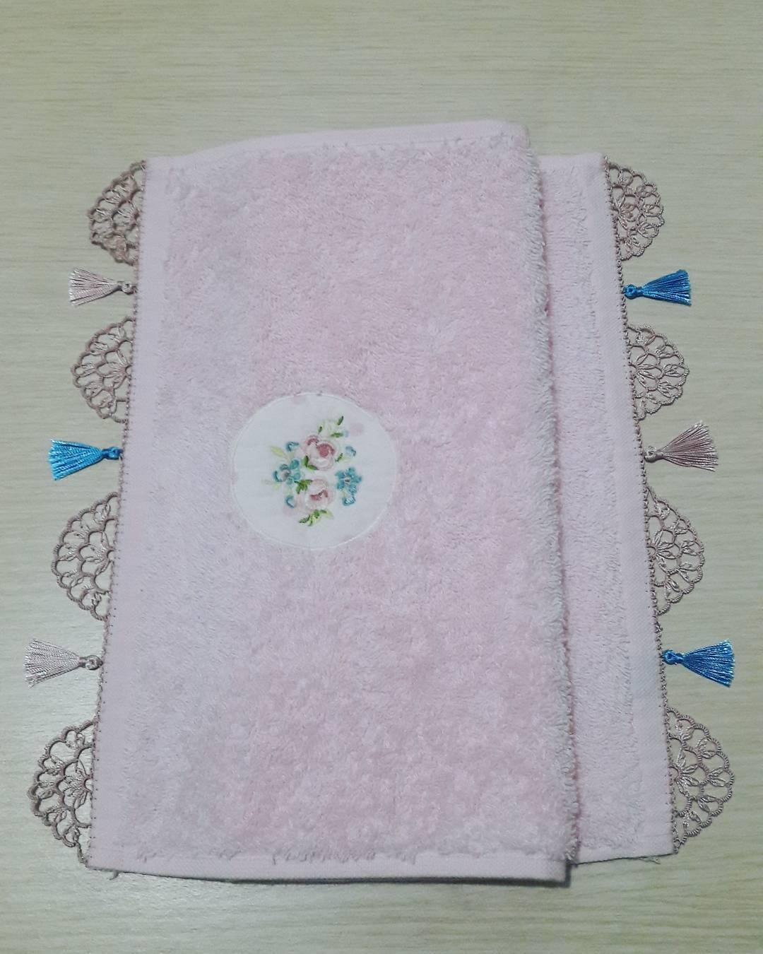 Basit iğne oyalı havlu havlu