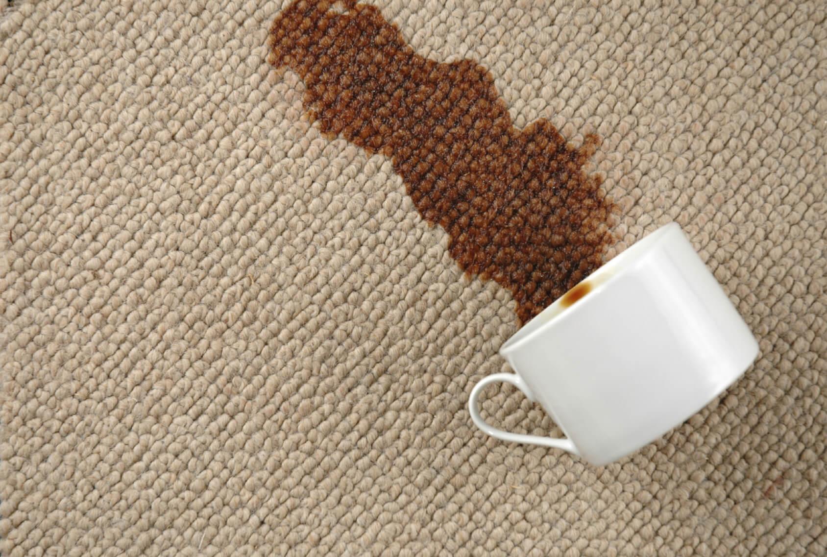 Çay Lekesi Halıdan Nasıl Çıkar?