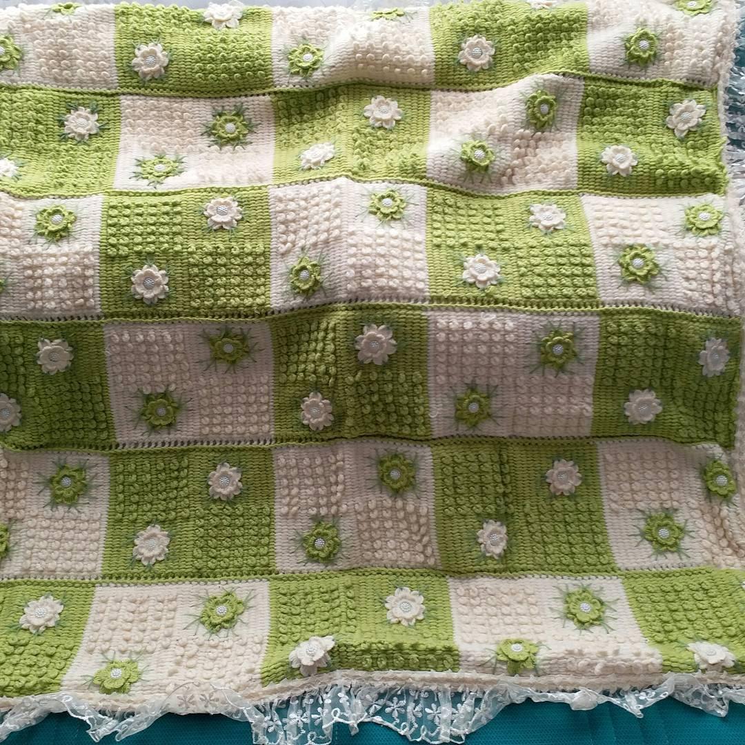 Hediyelik örgü bebek battaniyesi