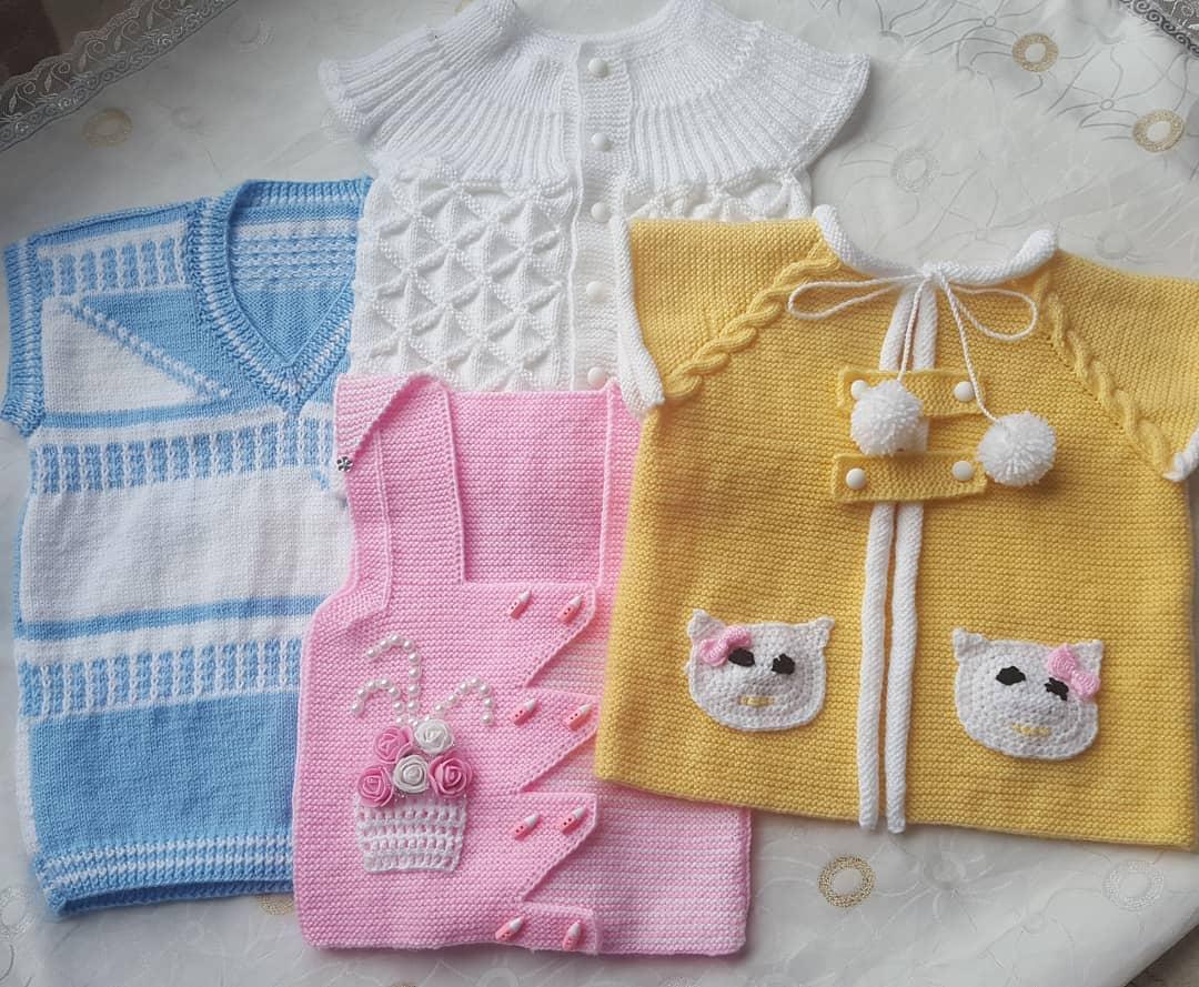 Yeni moda bebek yelekleri