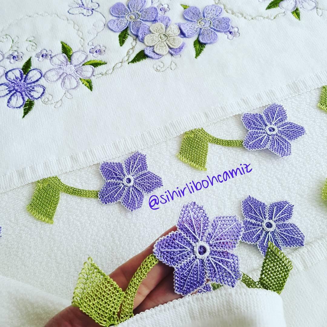 Yeşil yapraklı havlu